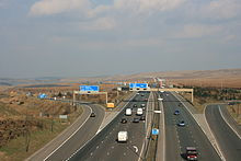 220px-M62_J22_from_Pennine_Way-1