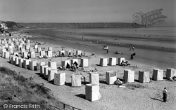 filey-the-bathing-tents-and-beach-1950_f23122_medium